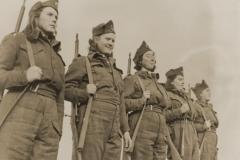 Grupa žena – boraca 3. prekomorske brigade, Gravina, Italija, 8. ožujka 1944. godine