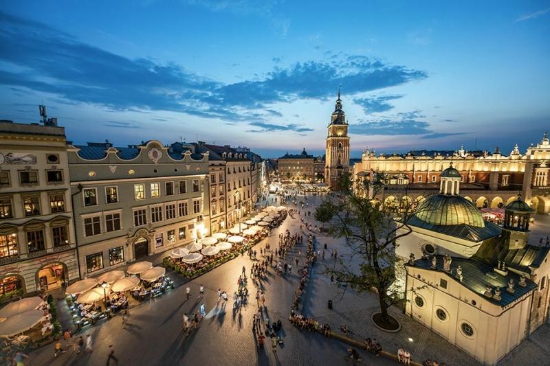 Voli-Napoli-Cracovia